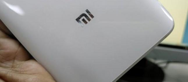 Xiaomi Mi 5s: lettore impronte digitali ad ultrasuoni nascosto sotto al vetro anteriore