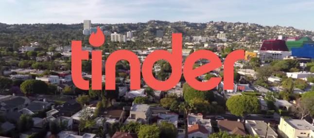 Tinder aggiunge l'integrazione con Spotify, brani e musica sul proprio profilo