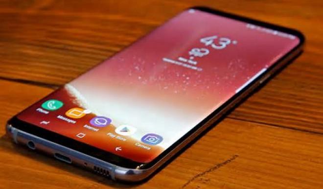 Galaxy C10: il primo smartphone dual-camera di Samsung