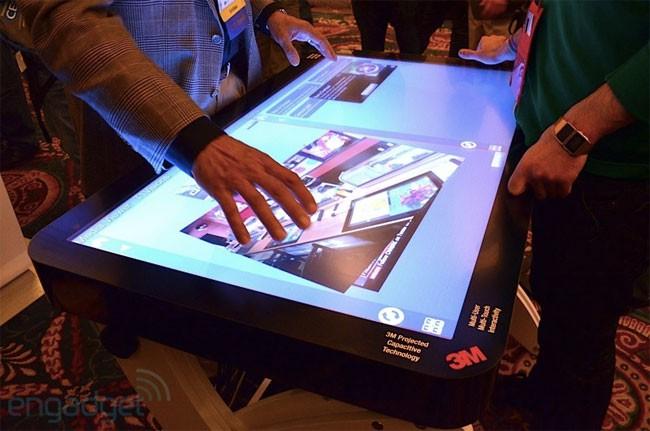 3m e il tavolo multimediale touchscreen con 60 punti - Tavolo multimediale ...