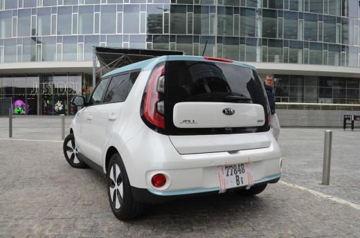Kia soul eco electric il test e il focus sulla guida for Kia soul hdmotori