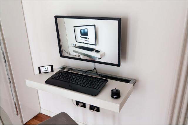 Ikea hackers cinque idee per nuove postazioni pc for Porta pc ikea