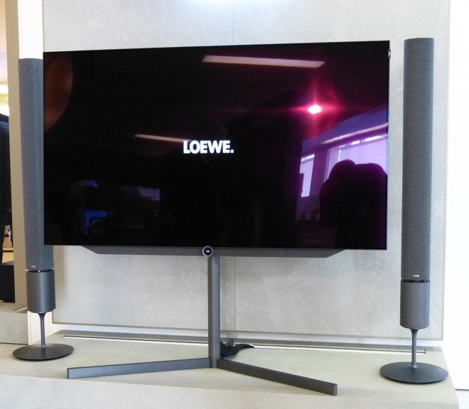 loewe klang 5 il sistema audio wireless per i tv loewe. Black Bedroom Furniture Sets. Home Design Ideas
